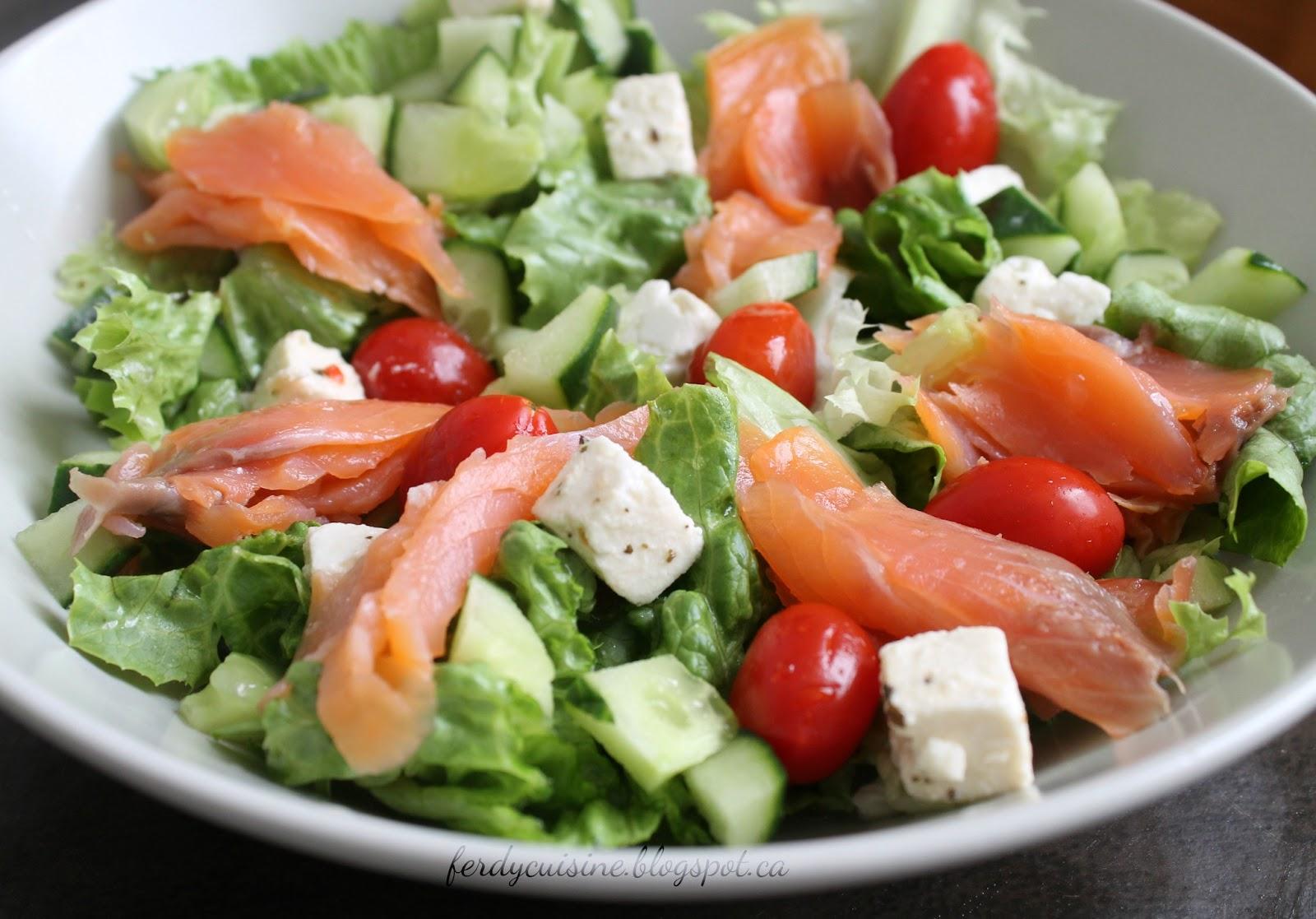 le blog culinaire d 39 une d butante la salade compos e 3 saumon feta. Black Bedroom Furniture Sets. Home Design Ideas