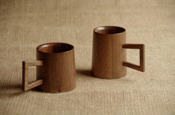 ウォールナットの木製マグカップ