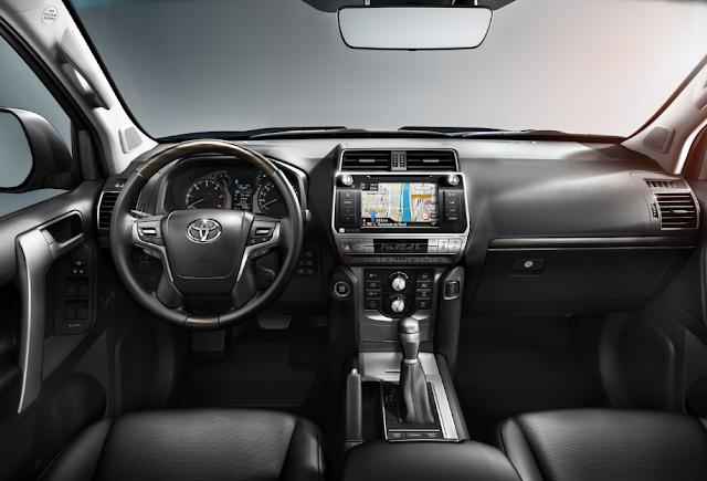 2018 Toyota Land Cruiser Interior
