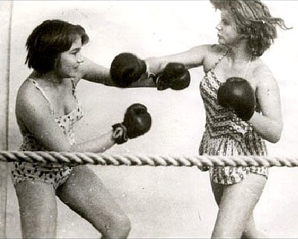 Old Photos Of Women Boxing Vintage Everyday
