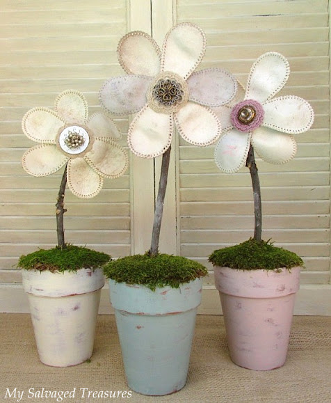 How to make flowers with baseballs