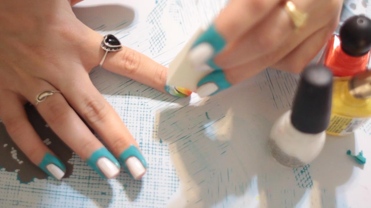 DIY: Peel off nail polish Barrier