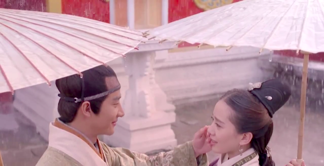 Liu Shi Shi and Huang Xuan in Imperial Doctress, a Chinese palace drama