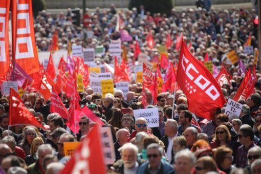Españoles protestan en reclamo de pensiones dignas