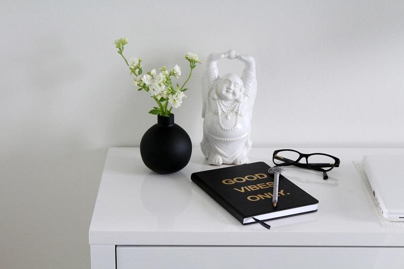 valkoinen buddhapatsas