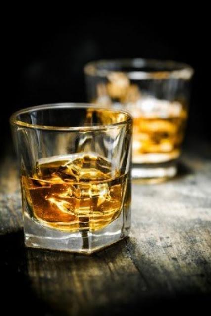 Guía que todo hombre debe conocer para disfrutar de un buen tequila y no morir en el intento
