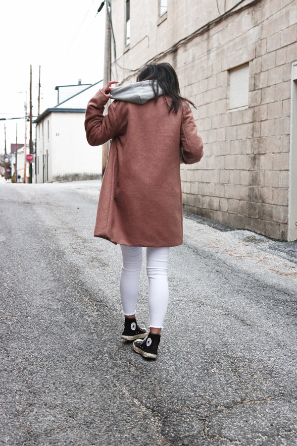 Camel Coat, White Jeans, Black Converse Sneakers