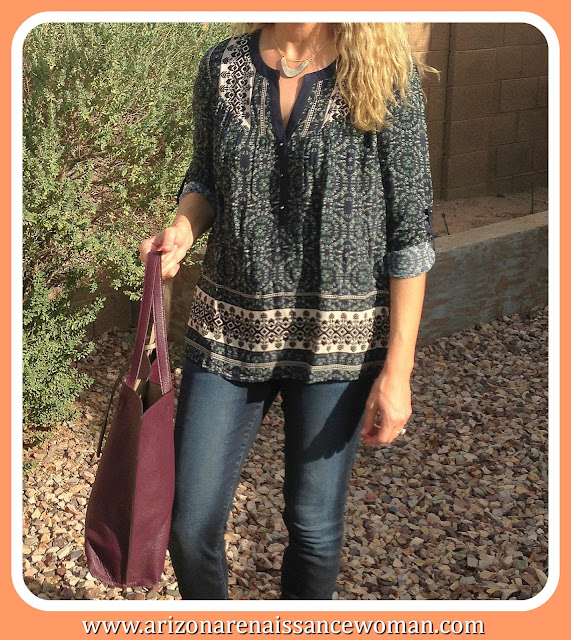 Daniel Rainn Camulos Henley Tunic and Street Level Huron Reversible Magnetic Closure Tote
