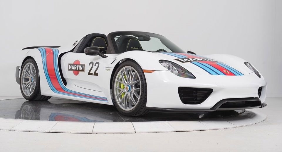 a martini liveried porsche 918 spyder we 39 ll drink to that. Black Bedroom Furniture Sets. Home Design Ideas