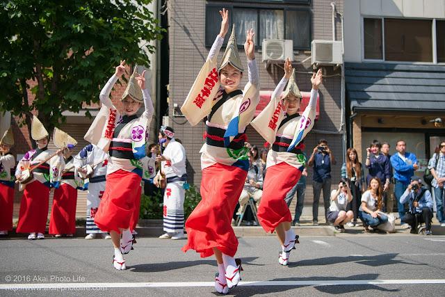 江戸っ子連、女踊り、マロニエ祭り流し踊り中の演舞の写真 その5