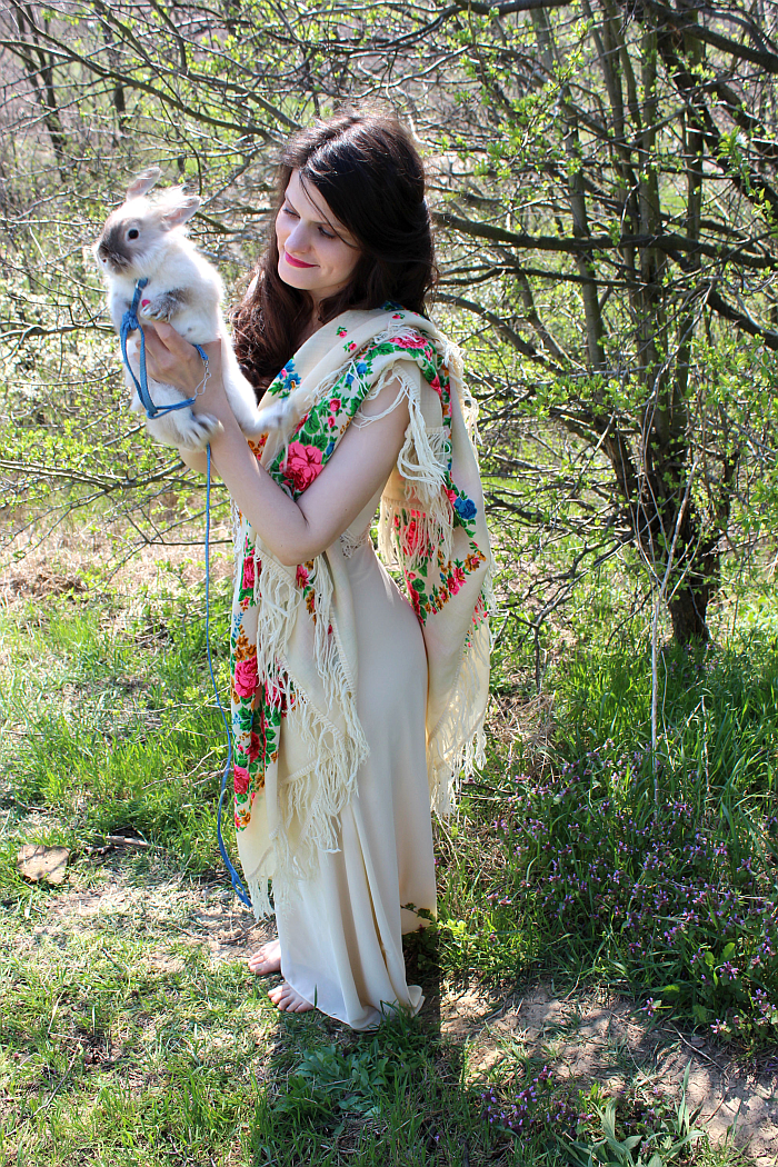 pet rabbit cuteness, fairy style, how to wear a scarf for summer, vintage style