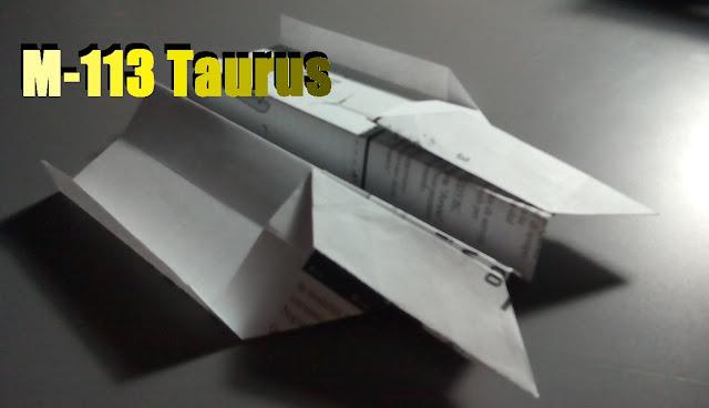 Avión de papel M-113 Taurus