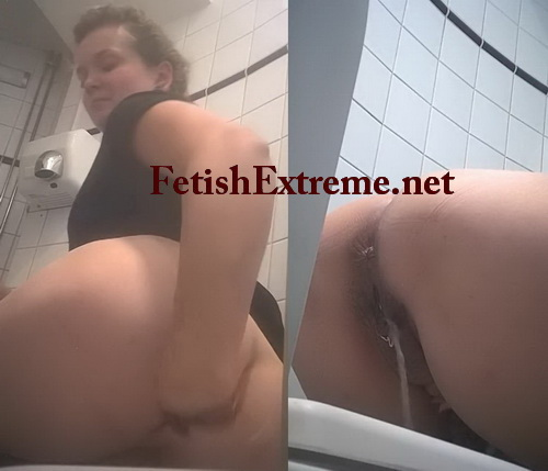 Women's public toilet 06 (European girls pissing on the toilet)