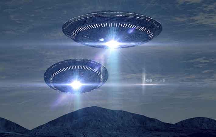 Geger Dua Penampakan UFO Misterius di Langit Inggris