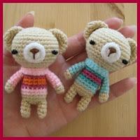 Mini osos amigurumi con sueter