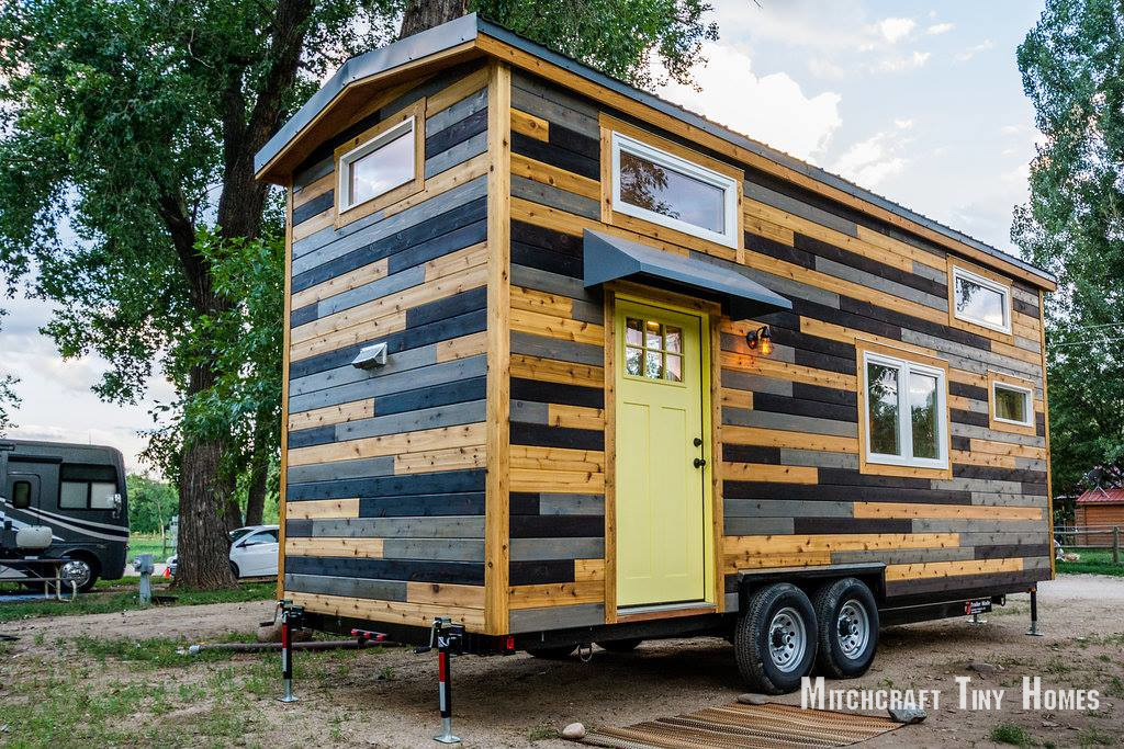 tiny house town april and curtis 39 mitchcraft tiny home. Black Bedroom Furniture Sets. Home Design Ideas