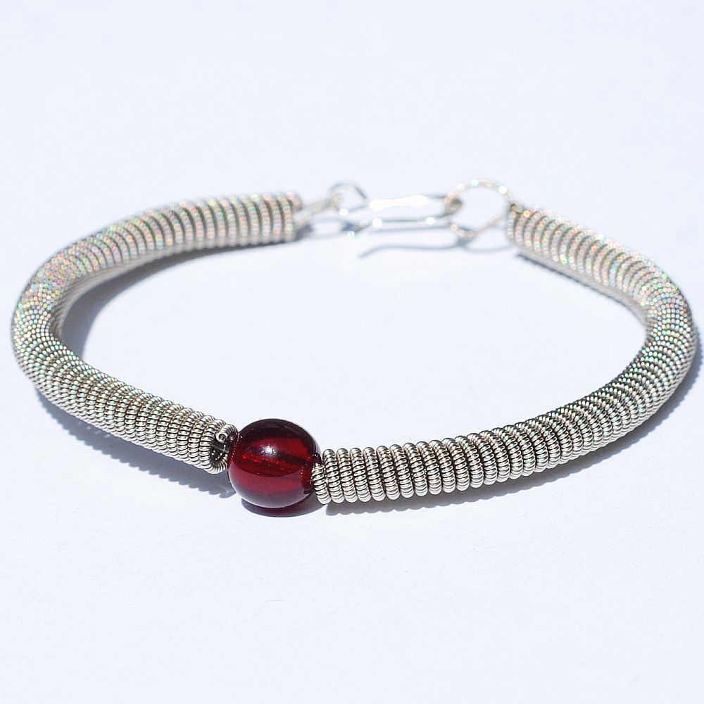 guitar string jewelry by tanith rohe guitar string bracelet garnet red. Black Bedroom Furniture Sets. Home Design Ideas