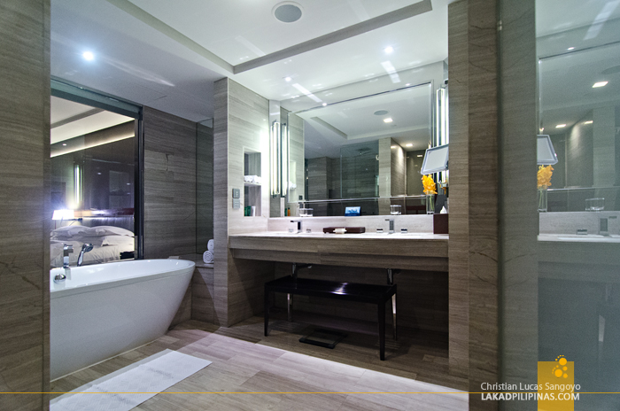 Hilton Sukhumvit Bangkok Toilet and Bath