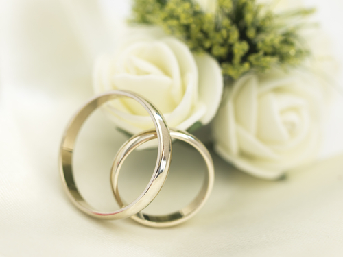 Make Sure To Take Some Pictures Of Your Rings On Wedding Day Below Are Cute And Original Ideas For How Photograph The Item That Binds You
