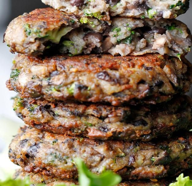 Chunky Portabella Veggie Burgers #vegetarian #recipe