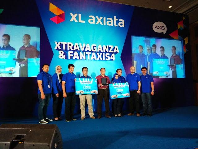Penyerahan Hadiah Program Kuiz XTRAVAGANZA & FANTAXIS XL Axiata Tbk