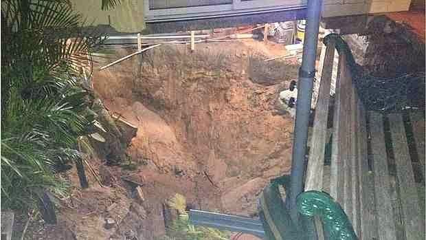 http://sciencythoughts.blogspot.co.uk/2014/05/sinkhole-opens-up-beneath-house-in.html