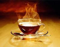 почему в жарких странах в сильную жару принято пить не охлаждающие напитки, а горячий чай