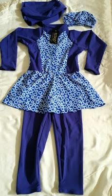 baju renang muslimah anak motif bulat warna biru ukuran 4 tahun