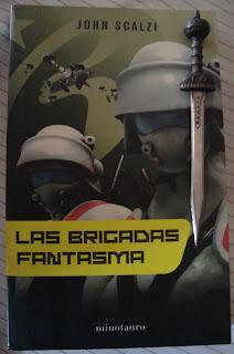Portada del libro Las brigadas fantasma, de John Scalzi