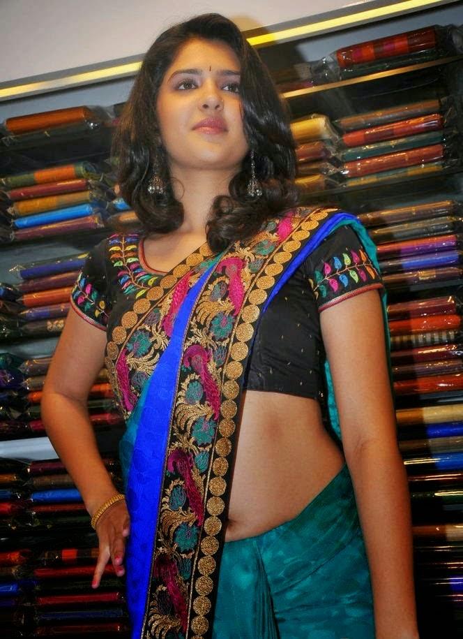 Actress Rashmi Gautam Hot Navel Show Pics In Red Saree HD