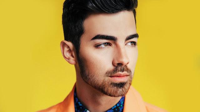 Joe Jonas revela con quién perdió su virginidad y da detalles