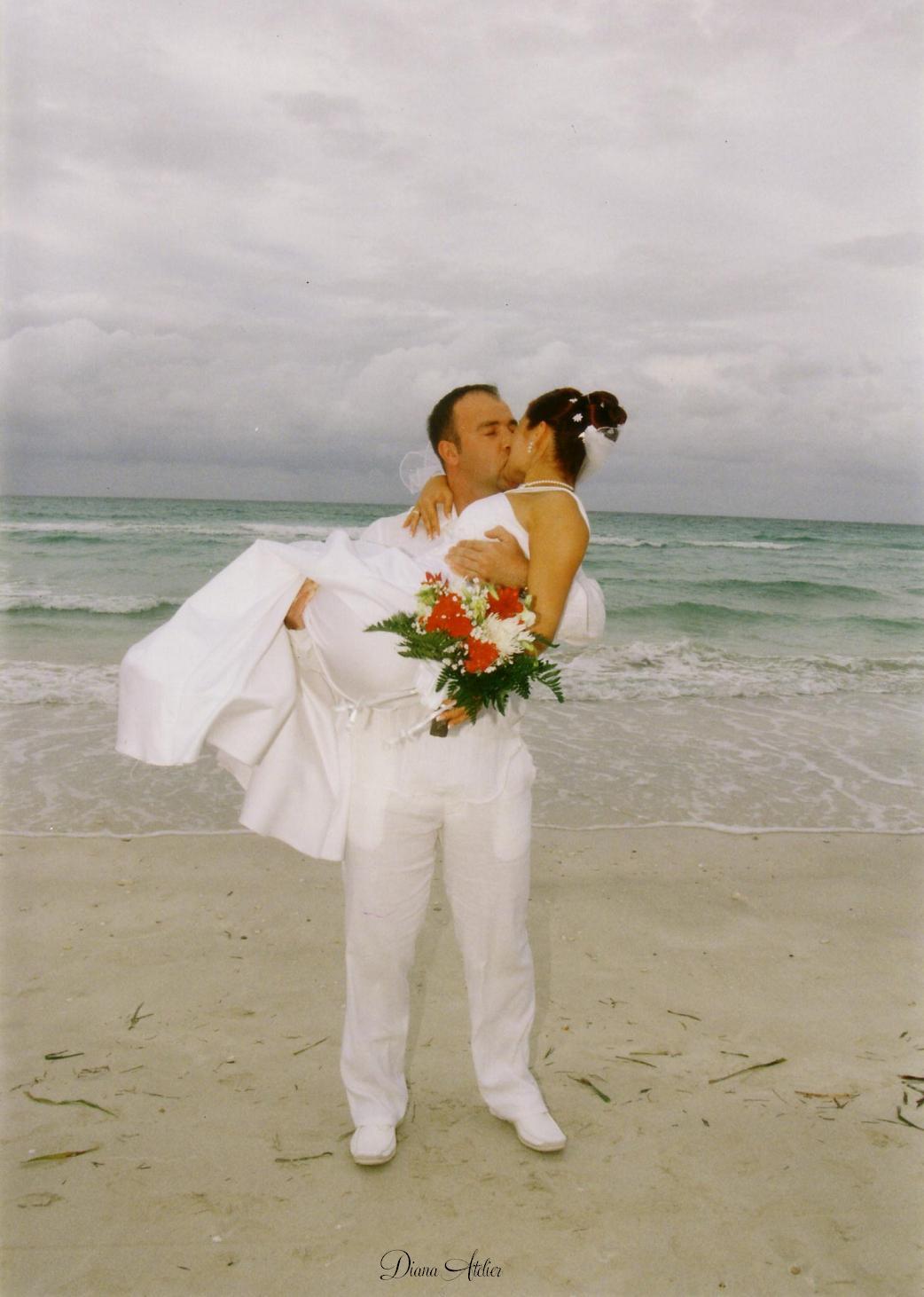 Tengerparti esküvő - Milyen a helyes választás esküvői ruha ügyben  aabf53001b