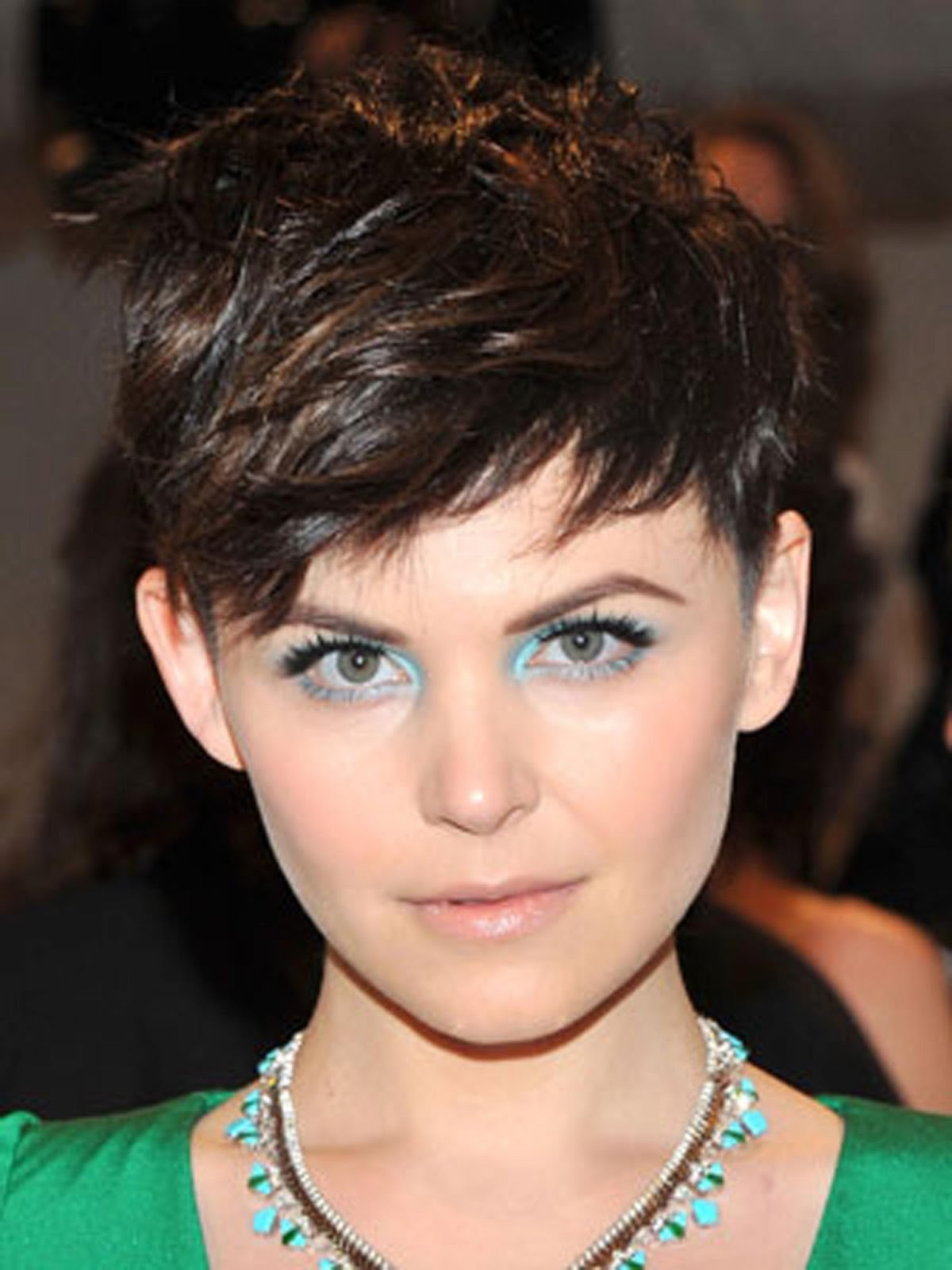 style up: short edgy hairstyles new 2013
