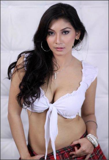 Model Majalah Popular Terseksi 2015