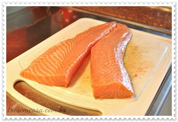 como cortar sashimi de salmão