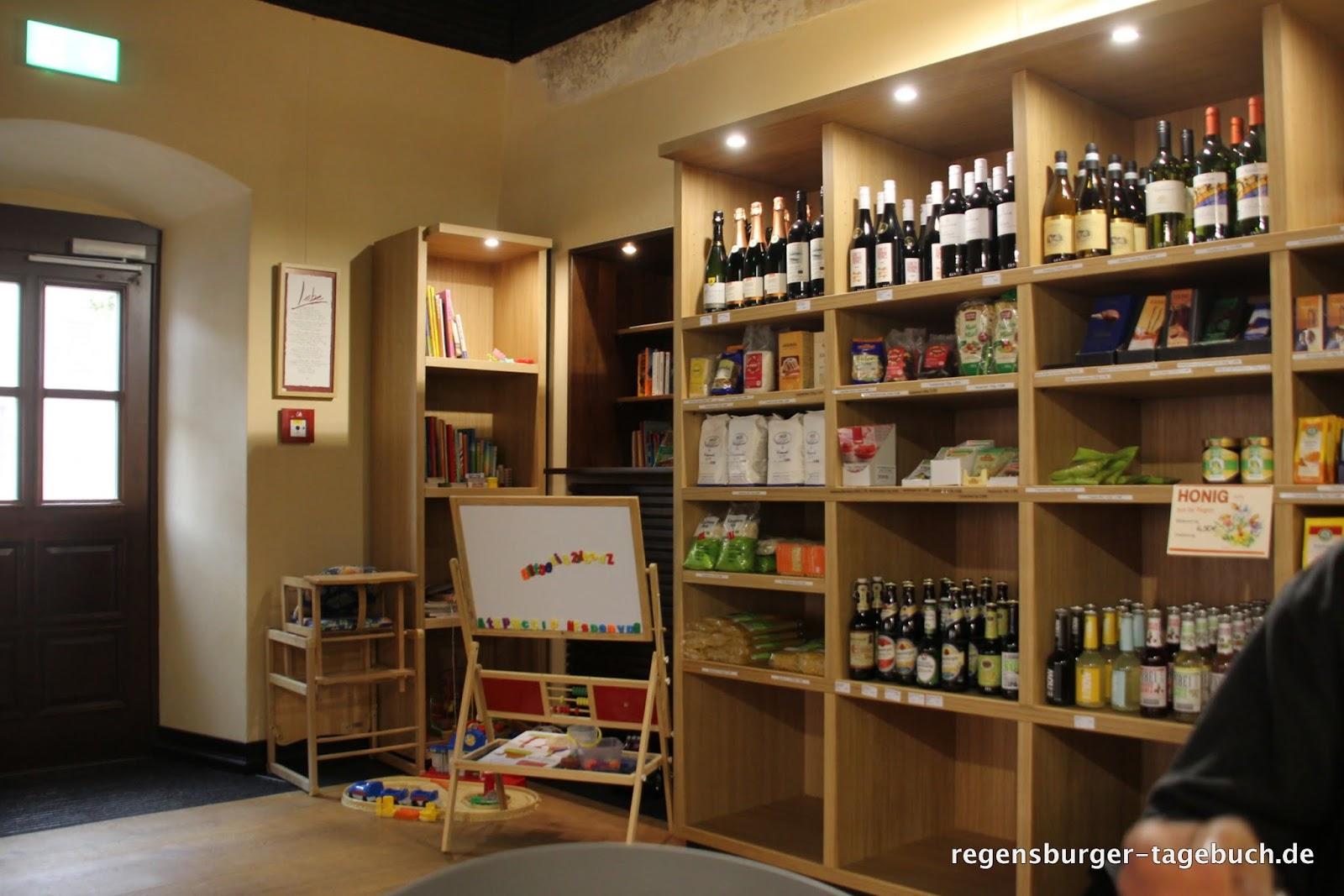regensburger tagebuch das neue tom 39 s cafe mitten in regenstauf. Black Bedroom Furniture Sets. Home Design Ideas