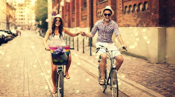 10 Tanda Kamu Tak Hanya Menikahi Kekasih Tapi Juga Sosok Sahabat