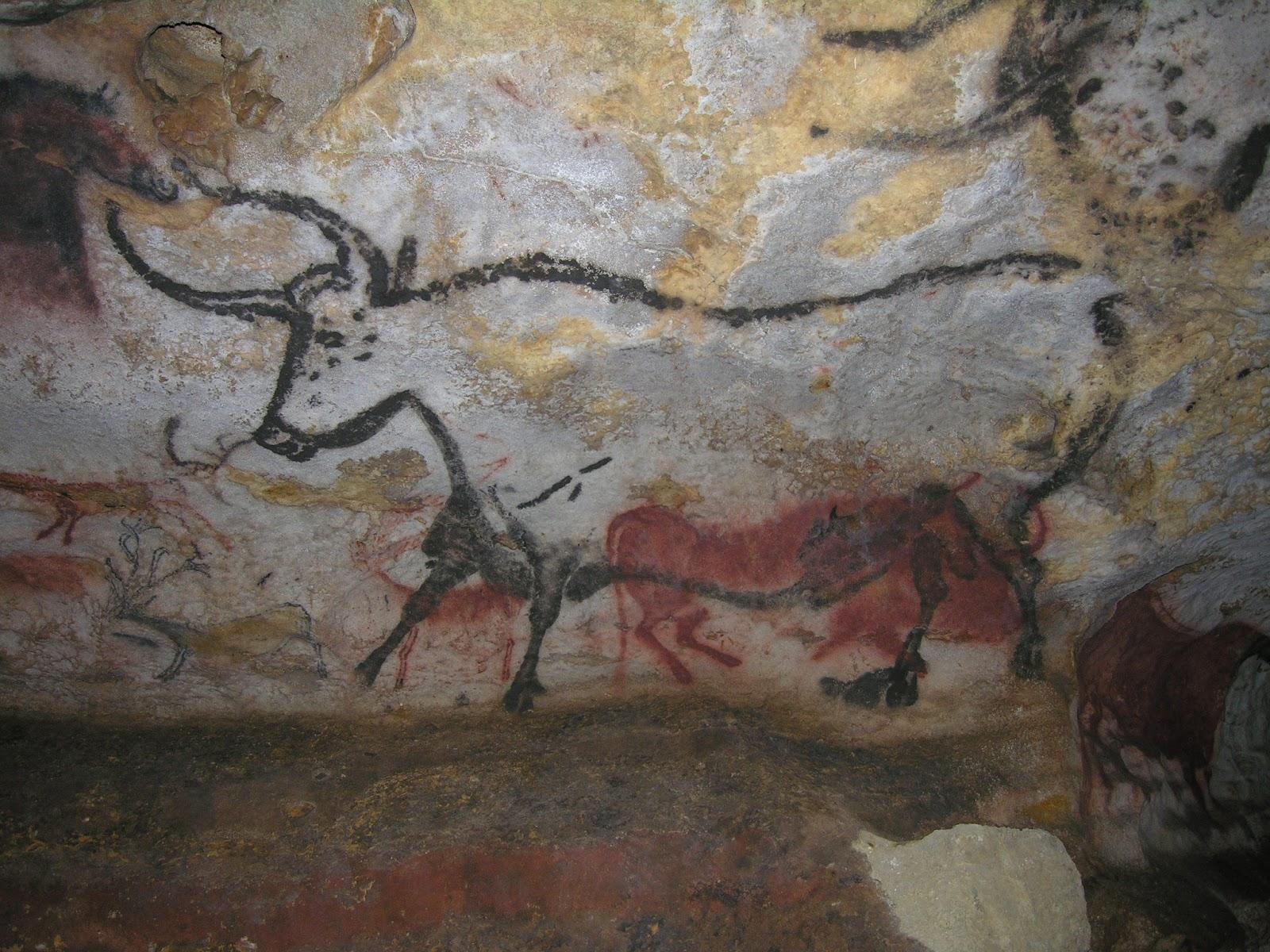 ラスコー洞窟の牛の壁画