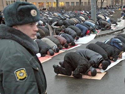 https://4.bp.blogspot.com/-gnbHL7Xh5tA/V3qCJcbP8vI/AAAAAAAAEJU/DOjo3p4rUKs_8MlFNqTQnH_GoYoFqZCJgCLcB/s400/muslim-and-russia1.jpg
