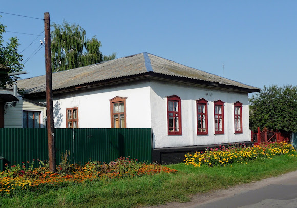 Ніжин. Школа № 12 на вул. Васильківській
