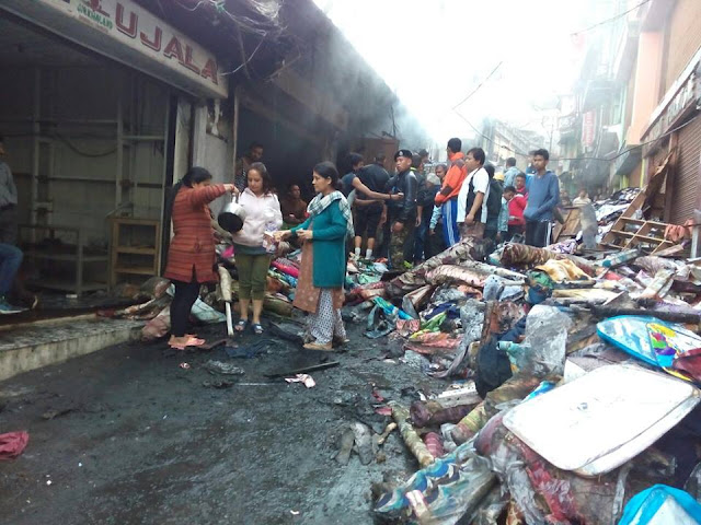Fire guts shops in heart of ‪Darjeeling‬ town