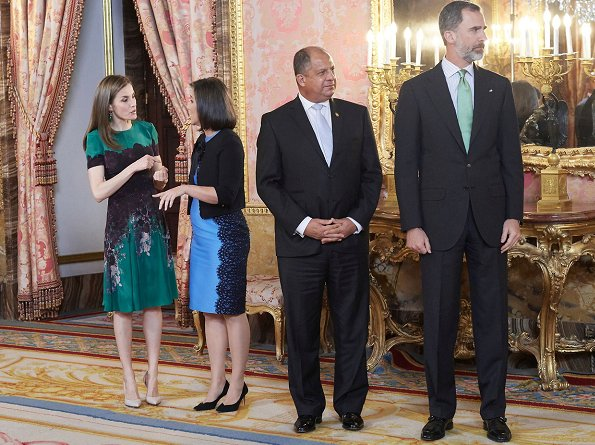 Queen letizia wore a Green Floral Dress and  Emerald Green Swarovski Crystal earrings and Magrit shoes. Mother's day gift