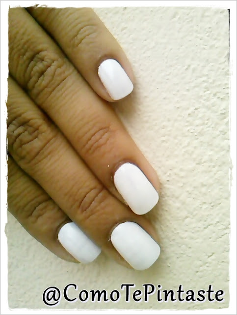 blanco swatch nails blosst