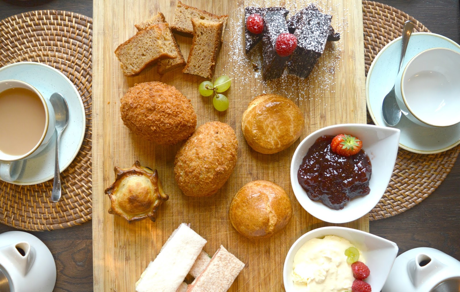Cosy Hotel in the Cotswolds - The Painswick Afternoon Tea