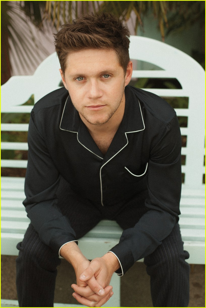 Viciadas por One Direction: Niall Horan é capa da revista ...