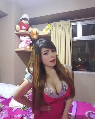 Kumpulan Foto Seksi DJ Dinar Candy Pamer Payudara