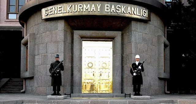 الأركان التركية توقف الجنود الأتراك الذين ضربوا الشبان السوريين على الحدود