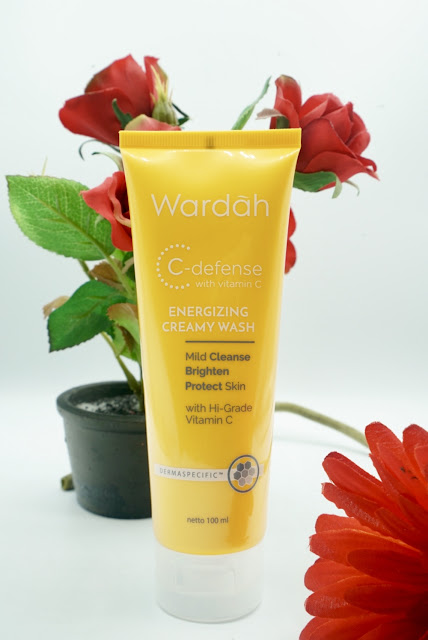 WARDAH C-DEFENSE ENERGIZING CREAMY WASH (REVIEW)