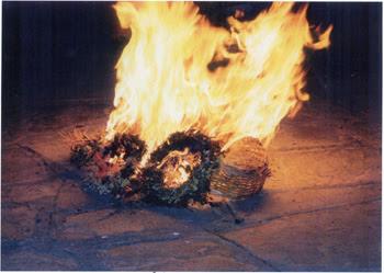 """Κλήδονας - """"....φωτιές ανάβανε στους απάνω δρόμους..."""""""