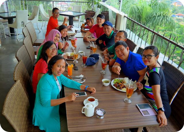 Nongkrong Makan di Puncak Bogor